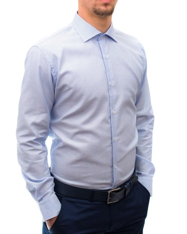 Вталена риза от жакардов материал